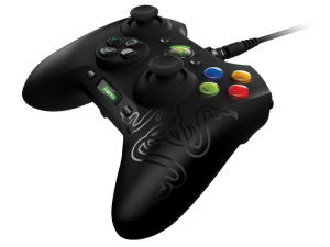 """The New """"Sabertooth"""" Controller by Razer."""